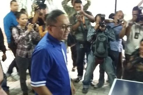 Ditanya Jatah PAN di Kabinet, Zulkifli Hasan Tertawa