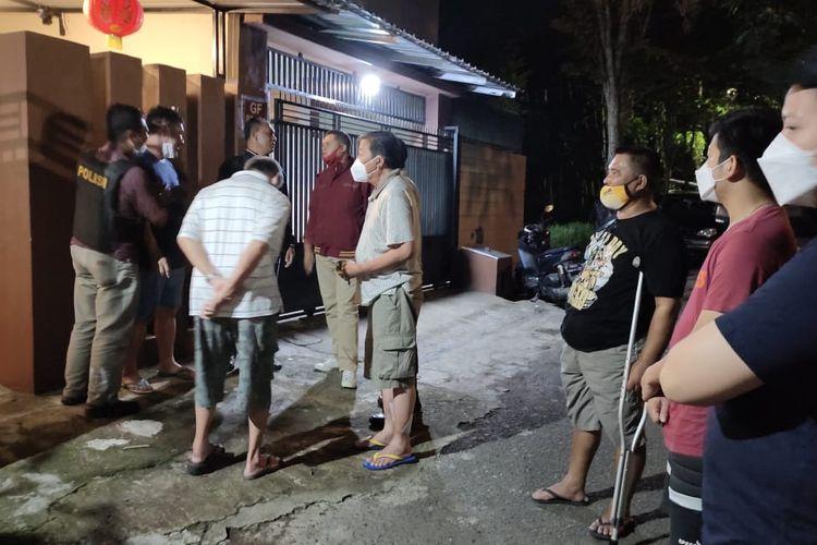 Lokasi warga Jember yang tewas diduga karena keracunan asap genset di Kecamatan Kaliwates Selasa (23/3/2021) malam
