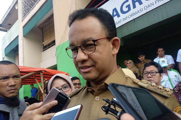 Gubernur DKI Jakarta Anies Baswedan di Pasar Induk Kramat Jati, Selasa (7/5/2019).