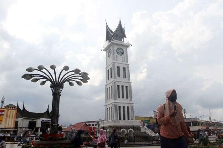 Pemprov Sumbar mengklaim Injil berbahasa Minang tak sesuai dengan adat Minangkabau yang berbasis Alquran.