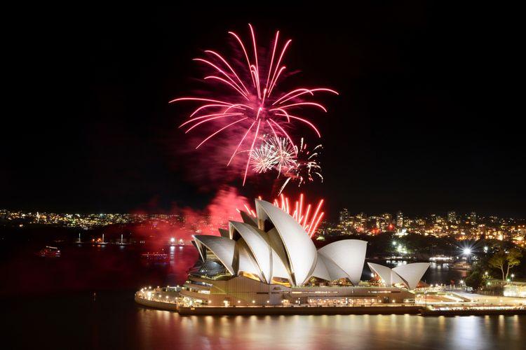 Kembang api saat malam tahun baru di Sydney, Australia