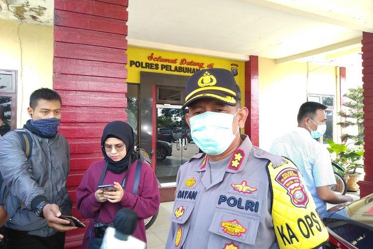 Kapolres Pelabuhan Belawan, AKBP Dayan menyebut ada 22 orang yang saat ini dibawa ke rumah sakit untuk dirawat setelah terbakarnya kapal tanker MT Jag Leela di galangan kapal PT Waruna, Kelurahan Bagan Deli, Medan Belawan pada Senin (11/5/2020) pagi tadi.