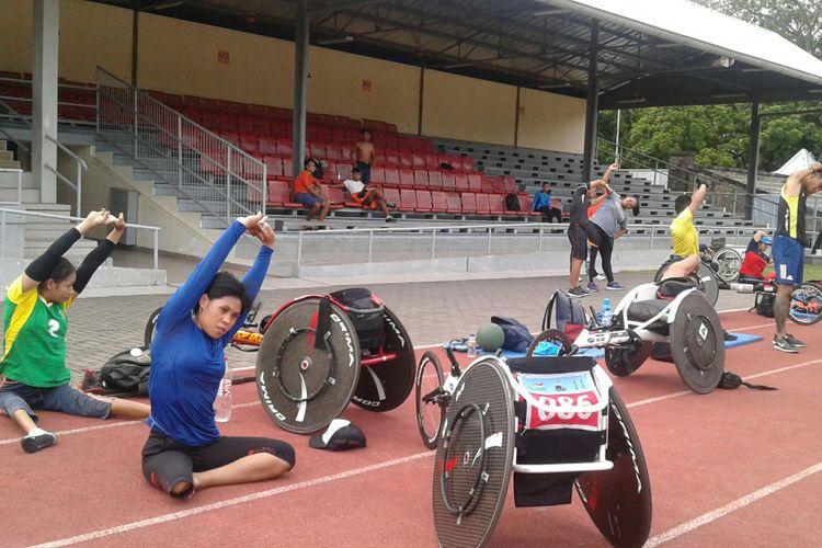 Atlet disabilitas yang akan berlaga di Asian Para Games (APG) 2018 mengikuti pelatnas di Stadion Sriwedari Solo, Jawa Tengah, Senin (15/1/2018).