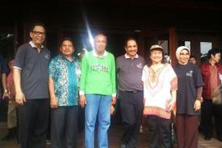 Kunjungan Menteri Pariwisata, Arief Yahya ke Taman Wisata Alam (TWA) Angke Kapuk, Jakarta Utara, Kamis (30/10/2014).