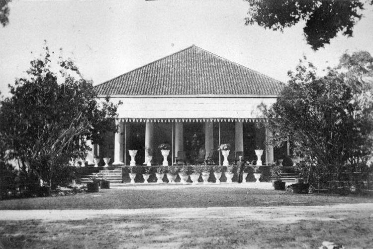 Rumah residen Timor, Kupang antara 1870 - 1910