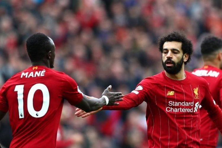 Dua inverted winger Liverpool, Sadio Mane dan Mohamed Salah.