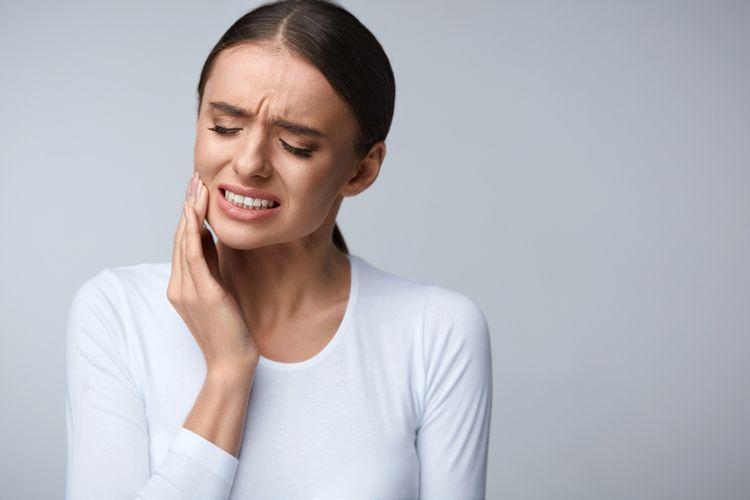 Ilustrasi sakit gigi, sariawan, sakit gigi berdenyut.