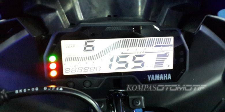 Panel meter baru Yamaha R15.