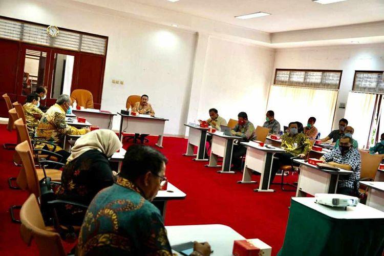Rektor IPDN Hadi Prabowo mengumumkan hasil tes SKD IPDN tahun 2020 di Kampus IPDN Jatinangor, Sumedang, Jawa Barat, Senin (7/9/2020).
