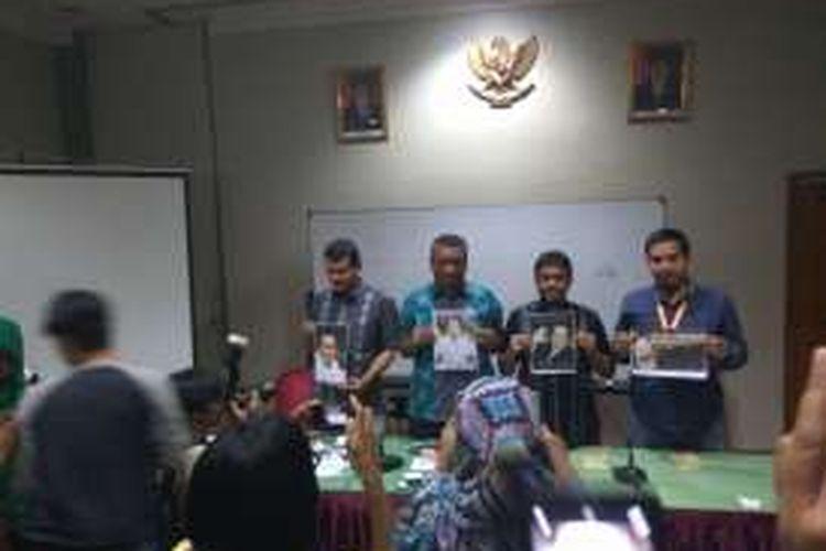 Konfederasi Serikat Pekerja Indonesia menyarakan dukungan untuk mendorong Mantan Menko Maritim dan Sumber Daya Rizal Ramli maju pilkada DKI Jakarta. DalKonfederasi Serikat Pekerja Indonesia menyarakan dukungan untuk mendorong Mantan Menko Maritim dan Sumber Daya Rizal Ramli maju pilkada DKI Jakarta. Deklarasi digelar di Hotel Mega Proklamasi, Cikini, Jakarta Pusat, Selasa (2/8/2016)