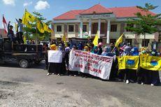 Pelantikan Anggota DPRD Kolaka Diwarnai Unjuk Rasa soal Tambang