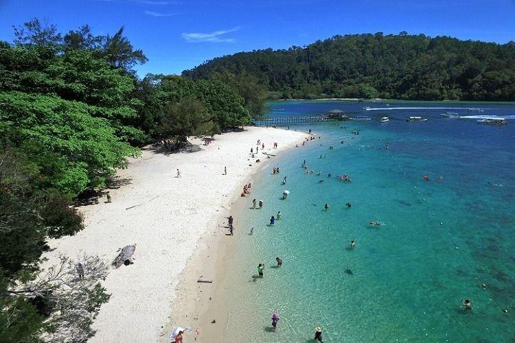 Sapi Island di Sabah.