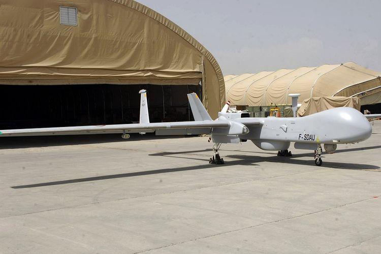 Sebuah drone tempur terparkir di Pangkalan Udara Bagram, Afghanistan, pada 2009.