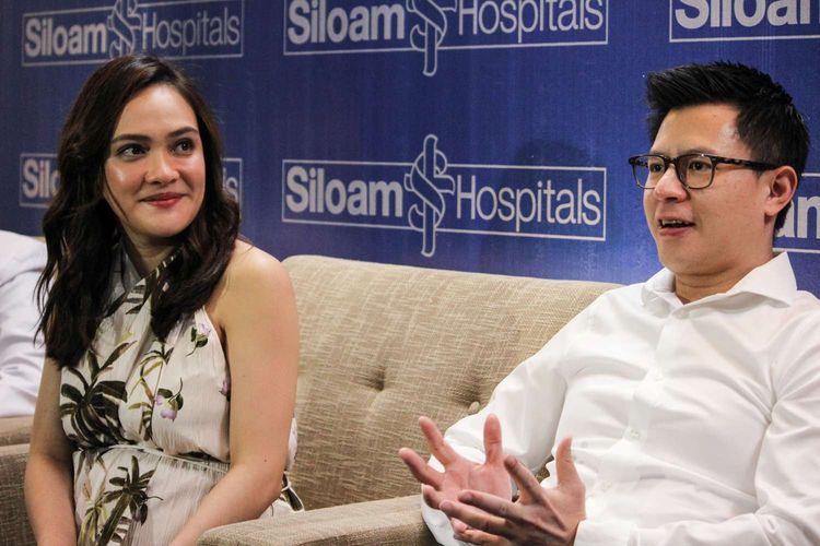 Shandy Aulia saat mengadakan Press conference setelah  melahirkan anak pertamanya di rumah sakit Siloam TB Simatupang, Cilandak, Jakarta Selatan, Jumat (14/2/2020). Shandy Aulia di karuniai anak perempuan pada hari Rabu di rumah sakit Siloam.
