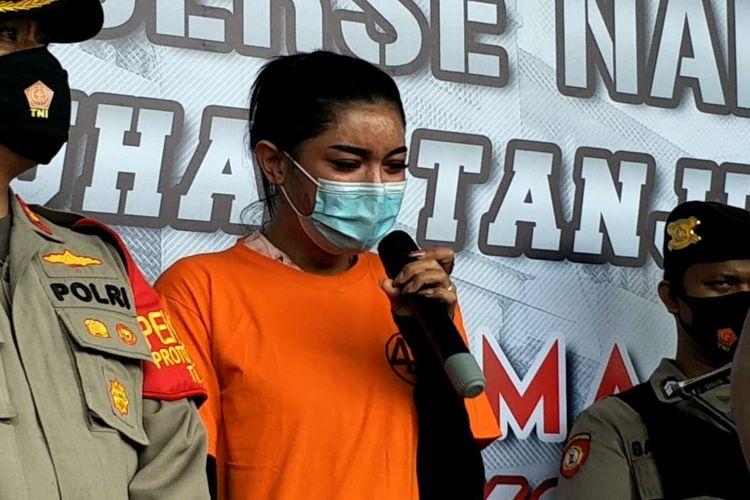 Selebgram Millen Cyrus ditemui di Polres Pelabuhan Tanjung Priok, Jakarta Utara, Senin (23/11/2020).