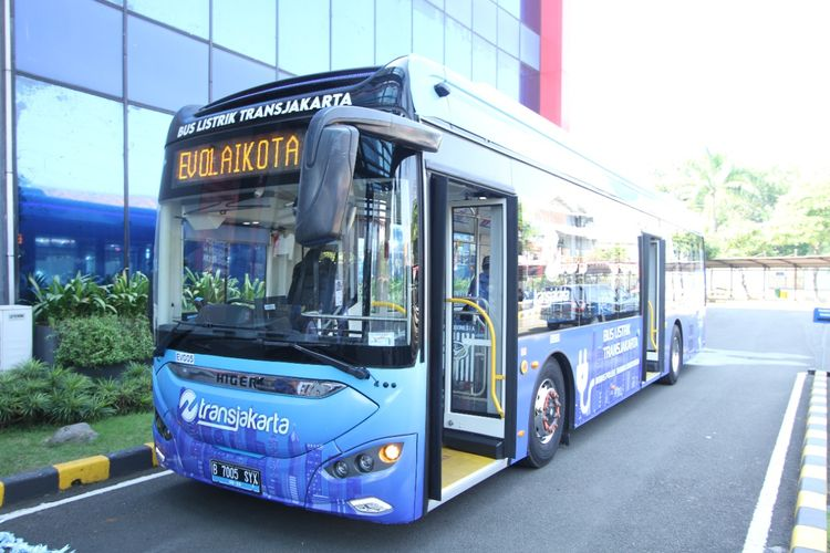 Transjakarta Mulai Uji Coba Satu Unit Bus Listrik Rute Blok-M - Balaikota