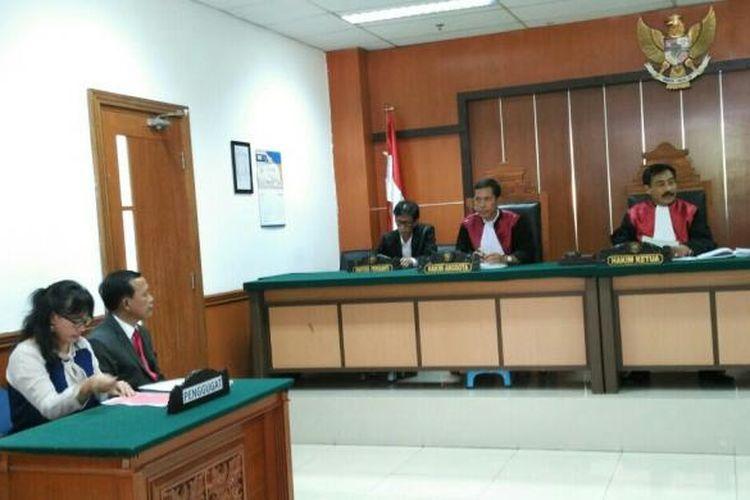 Sidang gugatan Perhimpunan Sosial Candra Naya (PSCN) atau Sin Ming Hui terhadap Yayasan Kesehatan Sumber Waras (YKSW) terkait pengalihan tanah RS Sumber Waras kepada Pemprov DKI Jakarta, di Pengadilan Negeri Jakarta Barat, Kamis (14/7/2016).