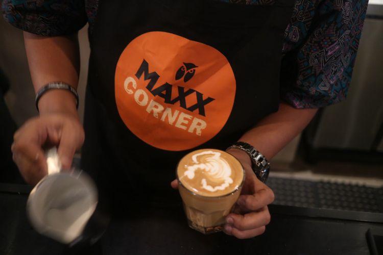 Contoh latte art yang dibuat oleh barista