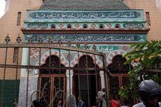 Dibangun Tiga Abad Lalu, Masjid Al Makmur Bertahan di Pusat Perbelanjaan Tanah Abang