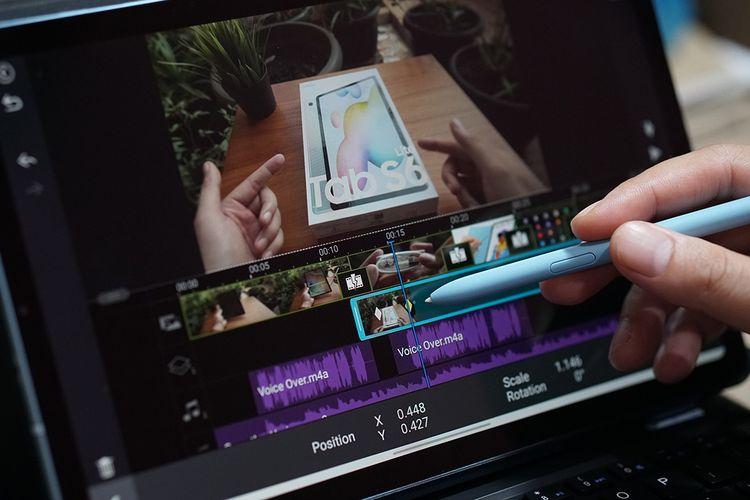 Pena S Pen di tablet Galaxy Tab S6 Lite dapat membuat kegiatan seperti penyuntingan video menjadi lebih mudah, presisi, dan gesit ketimbang menggunakan jari.