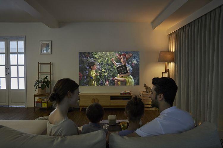 Selain bisa digunakan untuk menemani belajar anak, proyektor BenQ GS2 juga dapat digunakan untuk menemani keluarga menikmati family time berkualitas.
