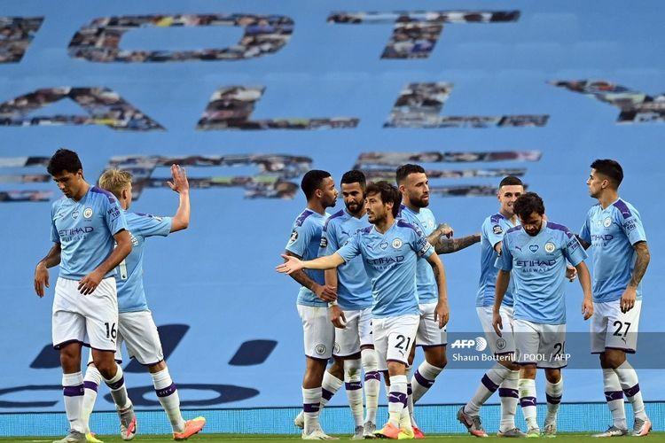 David Silva (tengah) merayakan gol bersama rekan-rekannya pada laga Man City vs Burnley di Stadion Etihad yang merupakan lanjutan pekan ke-30 Premier League, kasta teratas Liga Inggris, Senin 22 Juni 2020.
