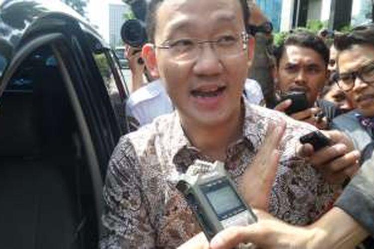 Staf Gubernur DKI Jakarta Basuki Tjahaja Purnama, Sunny Tanuwidjaja di Gedung KPK, Jakarta, Kamis (16/6/2016).