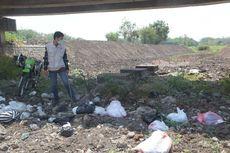 Bupati Madiun Susur Sungai, Temukan Banyak Sampah Popok Bayi