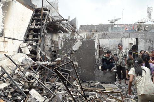 Makanan, Pakaian, dan Peralatan Mandi Disalurkan ke Korban Kebakaran Jelambar