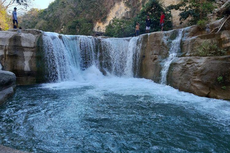 Salah satu air terjun di lokasi wisata Air Terjun Tanggedu, Desa Tanggedu, Kecamatan Kanatang, Kabupaten Sumba Timur, Pulau Sumba, Nusa Tenggara Timur (NTT), Kamis (20/8/2020).