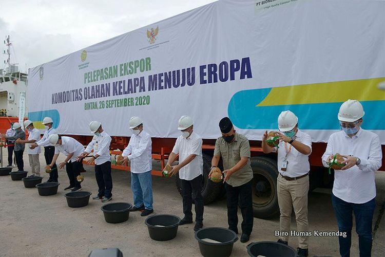 Pelepasan ekspor produk pertanian, di kawasan Bintan Industrial Estate (BIE), Kepulauan Riau, Sabtu (26/9/2020).