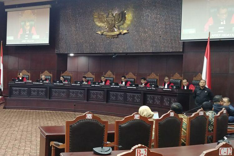 Mahkamah Konstitusi menggelar sidang putusan terhadap permohonan uji materi angket KPK di Jakarta, Kamis (8/2/2018).