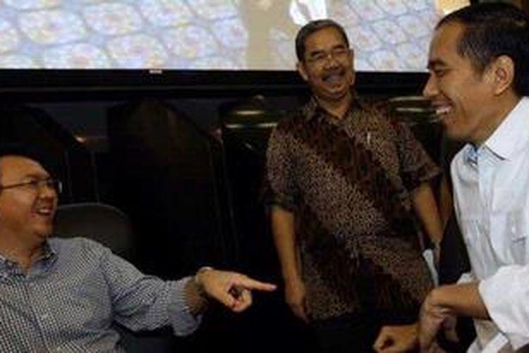 Gubernur DKI Jakarta Joko Widodo (kanan) dan Wagub DKI Basuki Tjahaja Purnama (kiri).