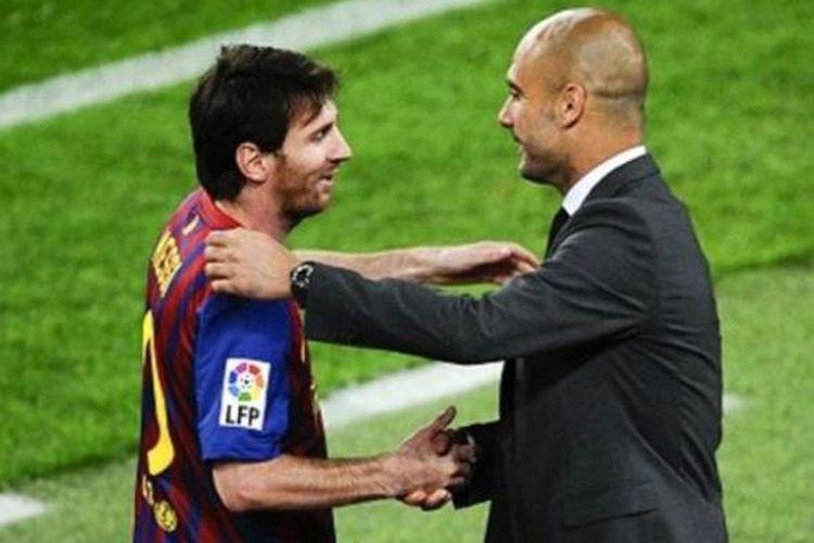Gelandang Barcelona, Lionel Messi (kiri) dan pelatih Bayern Muenchen, Pep Guardiola.