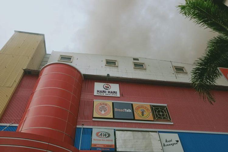 Kebakaran terjadi di area, Tamansari, Jakarta Barat pada Jumat (6/12/2019).