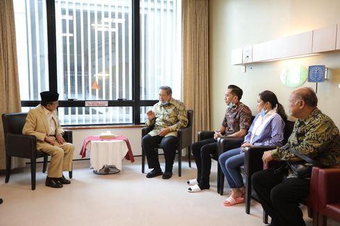 BJ Habibie dan Keluarga Besar Jenguk Ani Yudhoyono di Singapura