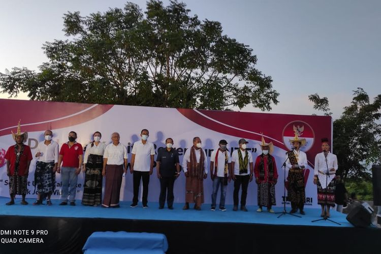 Para pengurus komite referendum masa jabatan presiden, saat deklarasi di Kota Kupang, Senin (21/6/2021) sore