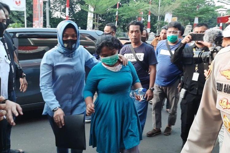 Tim gabungan Polres Jakarta Selatan dan Polsek Pesanggrahan mengamankan dua pelaku yang terdiri P (18) dan ibunya terkait dugaan penculikan PR (3).