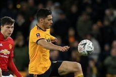Raul Jimenez Diincar Man United, Pelatih Wolves Santai