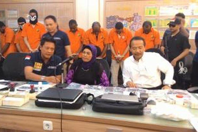 Sri Mudiah (52), salah satu kepala sekolah di Kabupaten Semarang, Jawa Tengah tertipu Rp 800 juta.