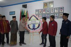 Kapolda Jatim Titip Karangan Bunga untuk 2 Mahasiswa yang Tewas di Kendari