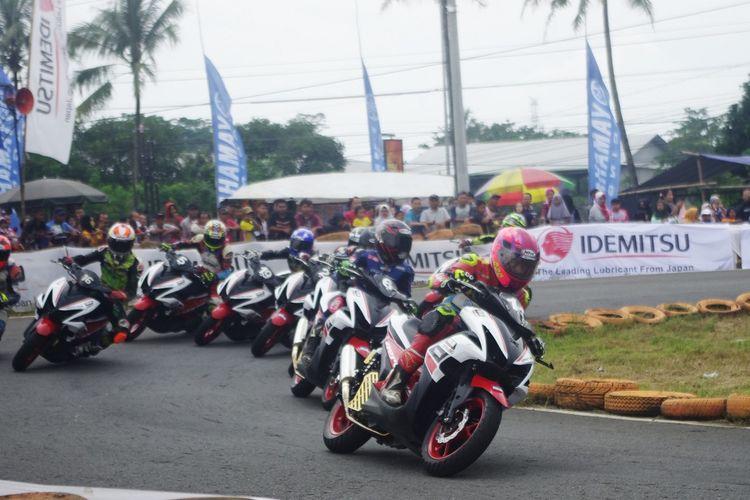 Para peserta balap Yamaha Cup Race 2020 Boyolali, kelas Aerox 155 Standart Open, Minggu (1/3/2020).
