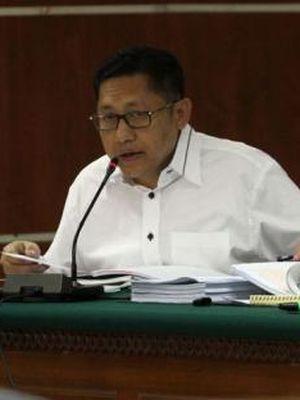 Mantan Ketua Umum Partai Demokrat Anas Urbaningrum menjalani persidangan dengan agenda mendengarkan keterangan saksi di Pengadilan Tindak Pidana Korupsi di Jakarta, Senin (18/8/2014). Anas diduga terkait korupsi dalam proyek Hambalang, yang juga melibatkan mantan Menpora Andi Mallarangeng.