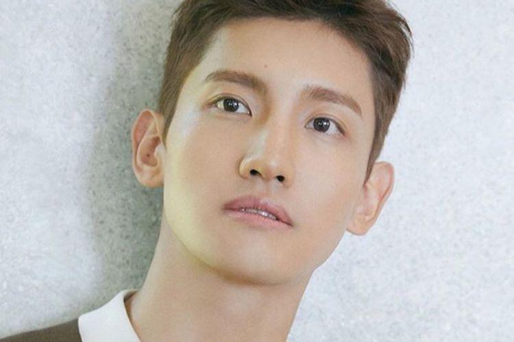 Salah satu member TVXQ, Changmin.