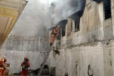 Gudang Dekat Pasar Genteng Surabaya Terbakar, 1 Tewas, 3 Lainnya Alami Luka Bakar