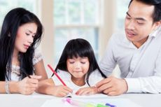 Orangtua Perlu Tahu, 4 Tips Ajari Anak Saat Belajar Online