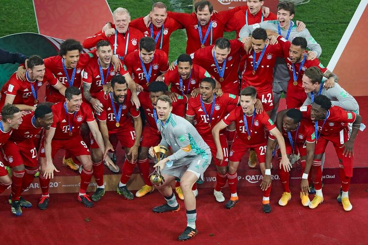 Skuad Bayern Muenchen merayakan gelar Piala Dunia Antarklub setelah mengalahkan Tigres UANL pada partai puncak, Jumat (12/2/2021) dini hari WIB.