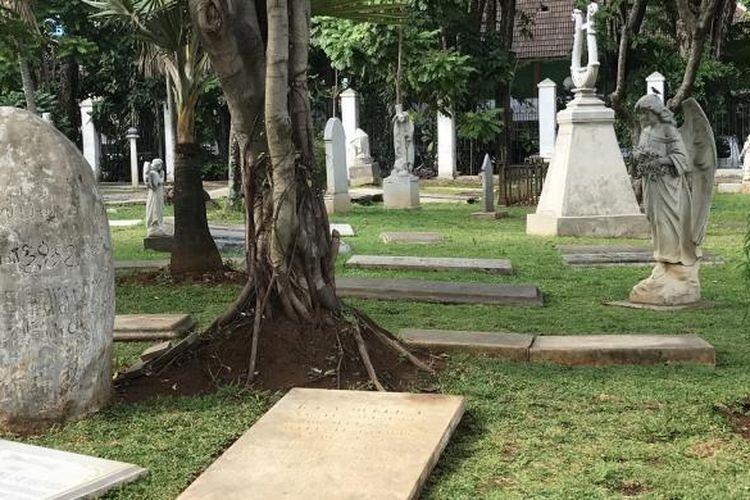 Salah satu Pemakaman di Museum Taman Prasasti
