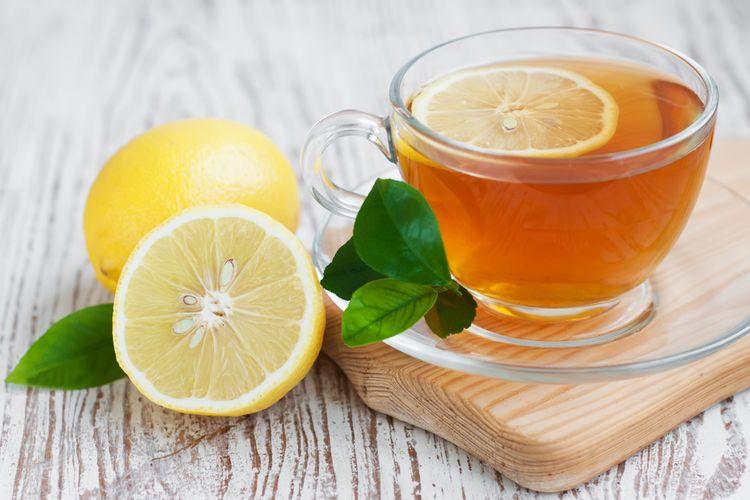Ilustrasi teh hijau dengan lemon