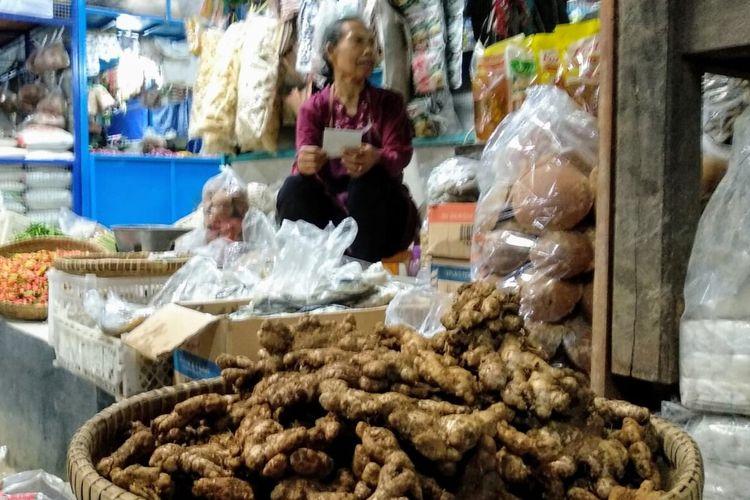 Pedagang Bumbu dan Rempah Pasar Playen, Gunungkidul, Rabu (4/3/2020)